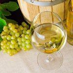 Perché il vino bianco è chiamato così nonostante sia di colore giallo? 6