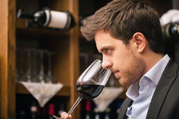 La cantina di Piè di Colle: maturazione e degustazioni vini 2