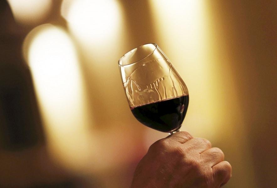 Impara a degustare un vino in 4 mosse 1